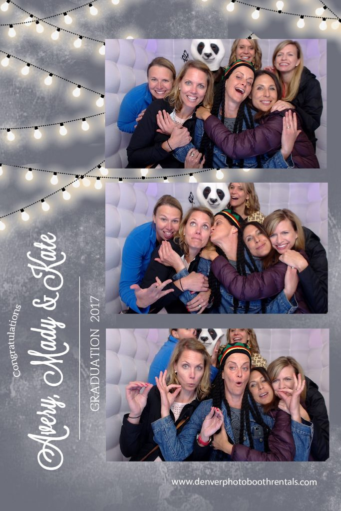 7 ladies using the photo booth