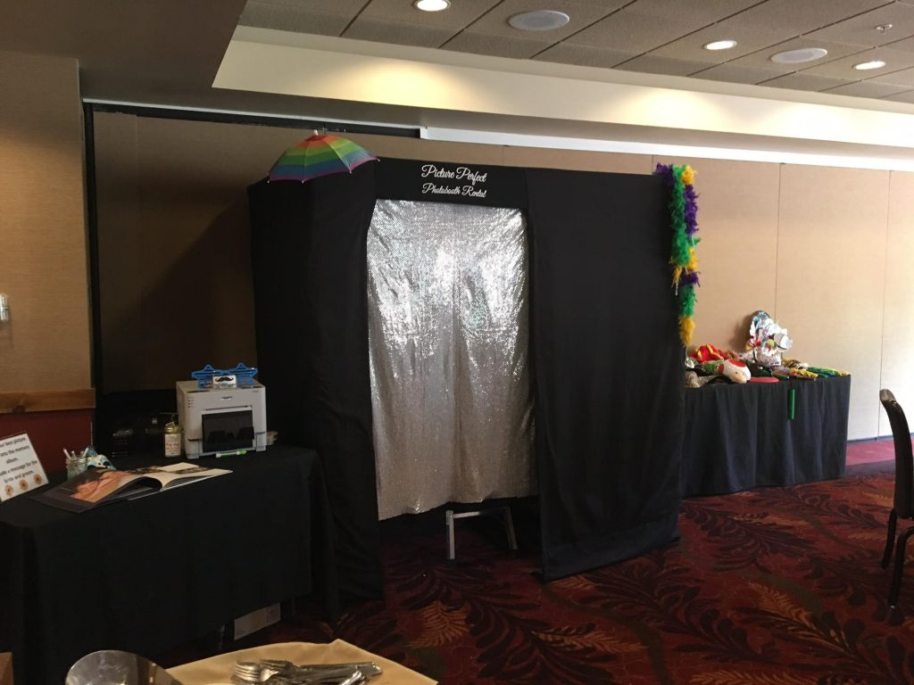 curtain photo booth, large capacity photo booth